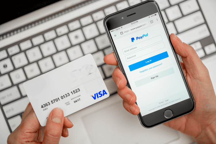 Using PayPal and credit card for online shopping
